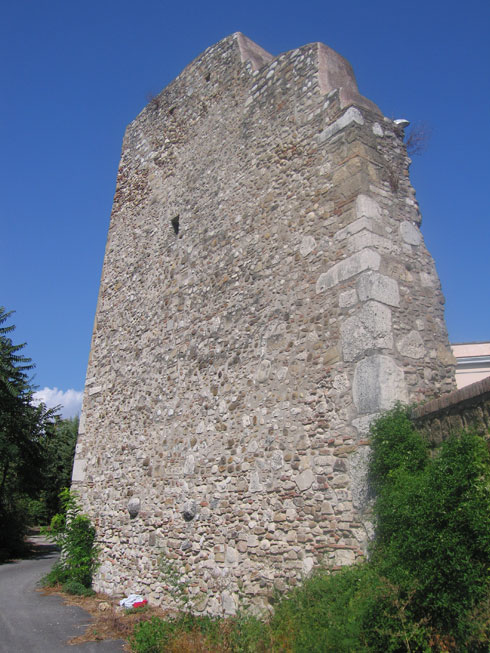 Беневенто (Benevento): крепостная стена