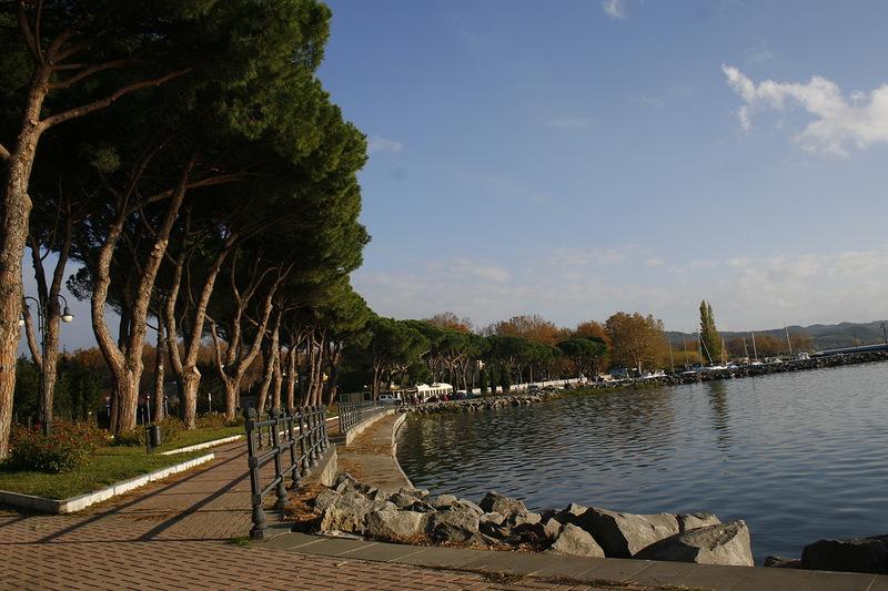 Озеро Больсена (итал. Lago di Bolsena)