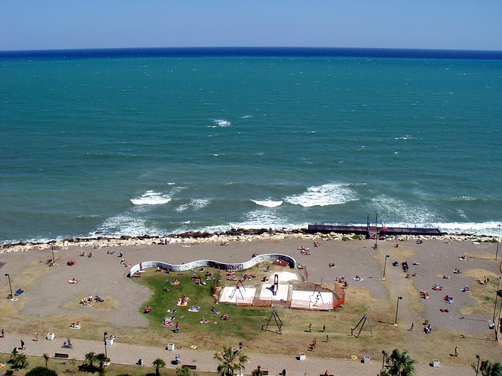 """Пляж """"Пане э Помодоро"""" Бари,Италия"""