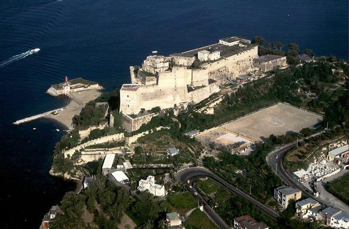 Замок Байя