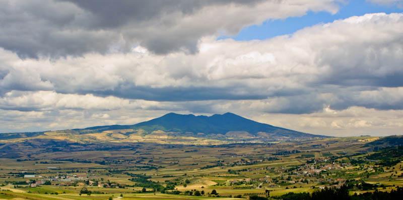 Гора Вультуре