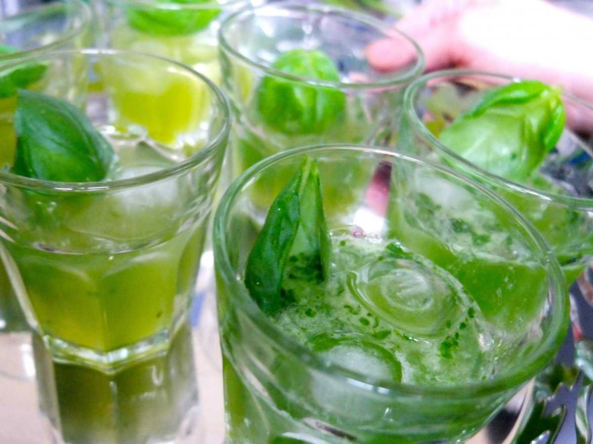 Ликер из базилика / Liquore di basilico