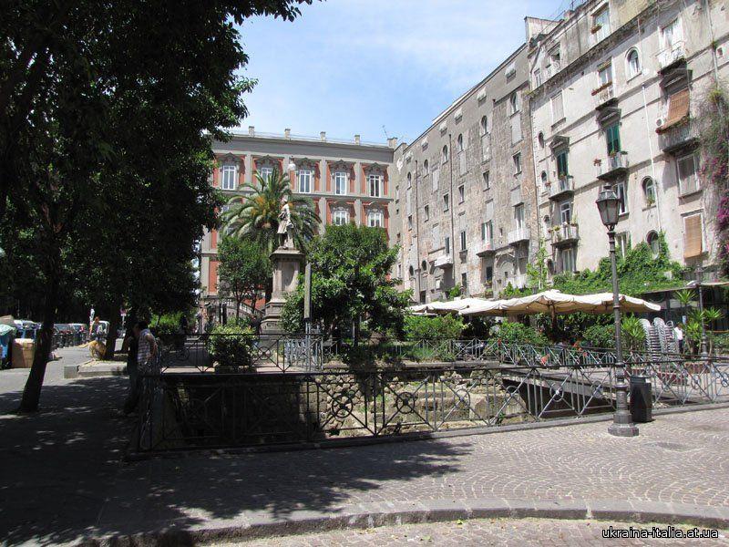 Площадь Беллини