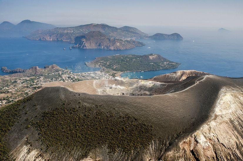 Остров Вулькано